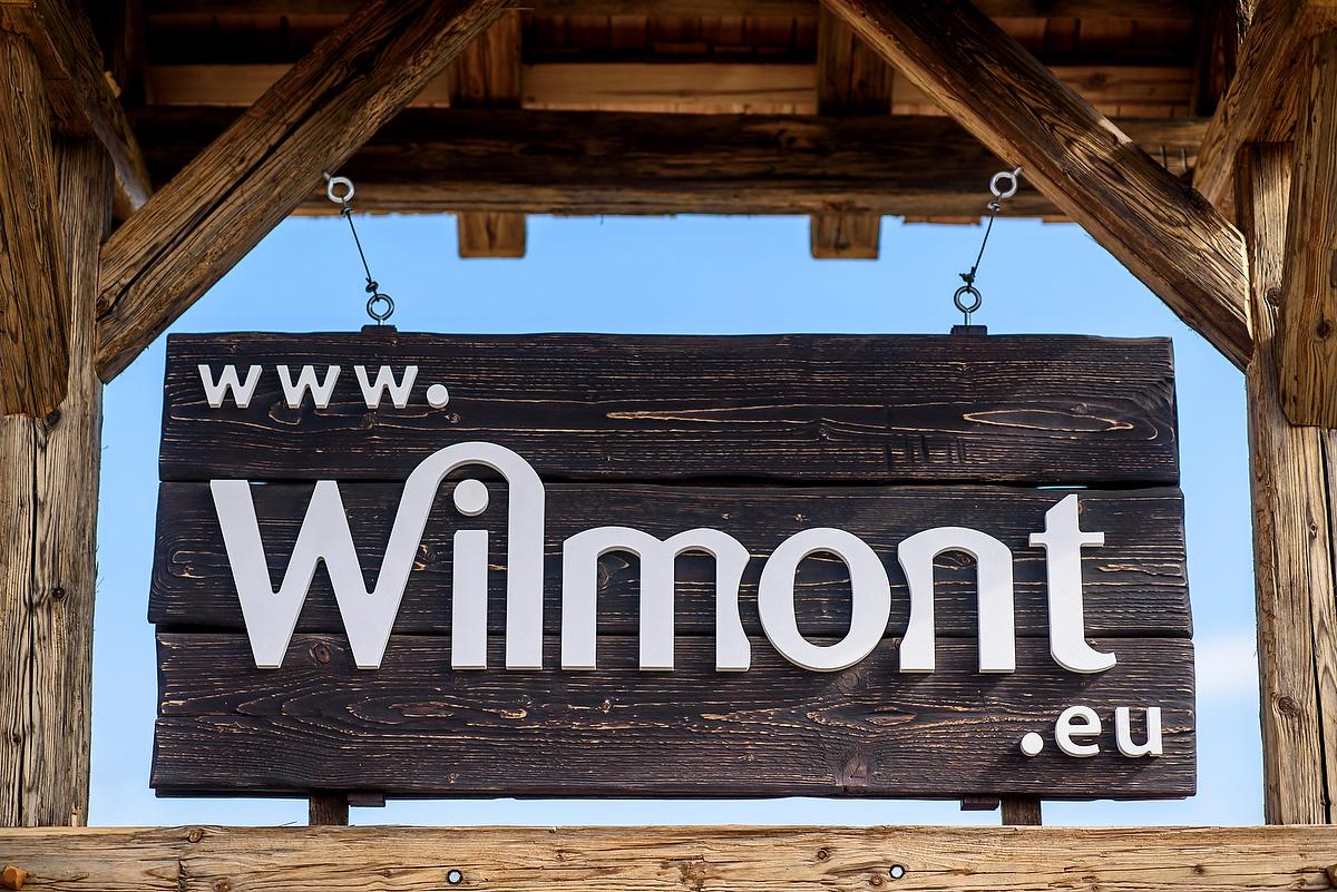 Schild der Wilmont GmbH