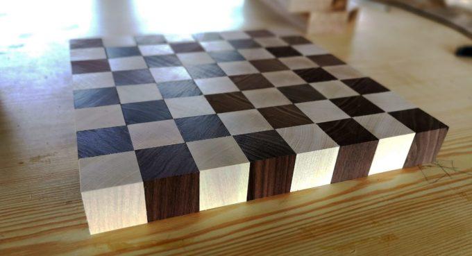 Schachbrett aus Ahorn und Walnuss Holz